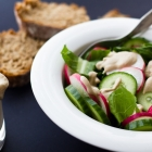 Πράσινη σαλάτα με νηστίσιμο dressing