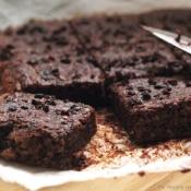 Healthy Chocolate & Cacao Nibs Brownie (Vegan) – Υγιεινό Μπράουνι με Σοκολάτα και Κακάο Νιμπς (Vegan)