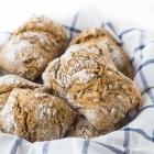Κρίθινο Σπιτικό Ψωμί χωρίς Ζύμωμα, με Σπόρους