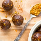 Raw Chocolate Balls with Bee Pollen