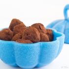 Τρούφες Σοκολάτας με μύρτιλα και γιαούρτι