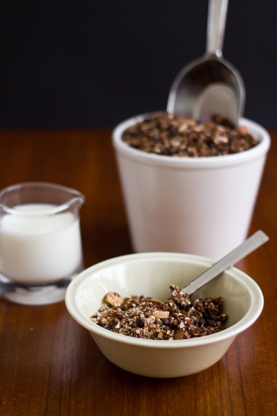 Μείγμα δημητριακών granola με καρύδα και σοκολάτα για το πρωινό σας, με γεύση μόκα - Mocha Granola with coconut and chocolate