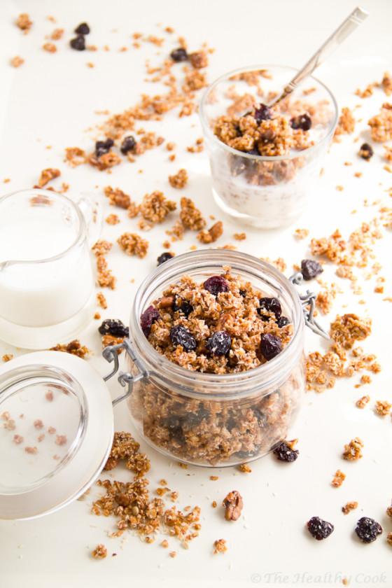 Sour Cherry Granola for a healthier breakfast – Granola με Ξερά Βύσσινα για πιο υγιεινό πρωινό