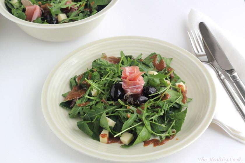 Spinach, Arugula & Prosciutto Salad with Smoked Cheese & Olive Spoon Sweet – Σαλάτα με Σπανάκι, Ρόκα, Μετσοβόνε, Προσούτο και Γλυκό Κουταλιού Ελιά