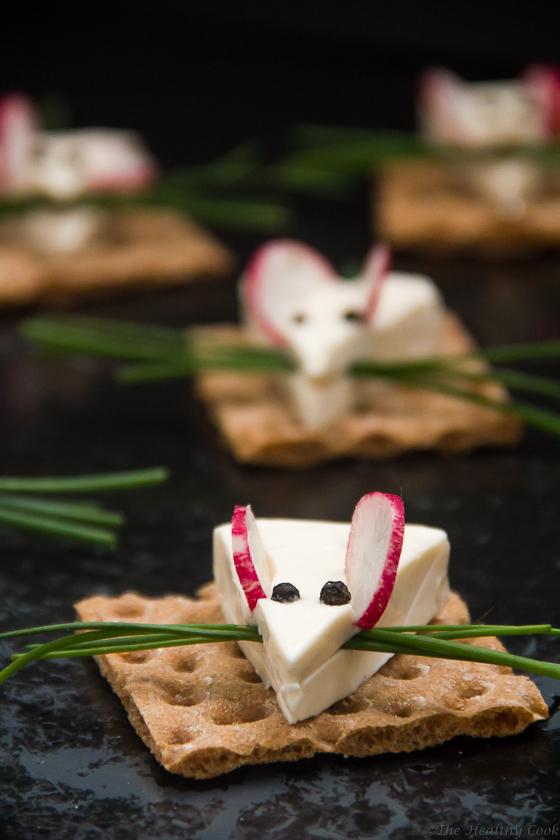 """""""Ποντικάκια"""" από τυρί, το πιο εύκολο και χαριτωμένο σνακ για μικρά και μεγάλα παιδιά! - Cheesy Mice, the easiest and cutest snack for children of all ages!"""