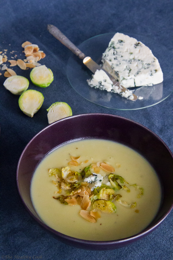 Brussels Sprouts Soup with Blue Cheese – Σούπα με Λαχανάκια Βρυξελλών και Μπλε Τυρί