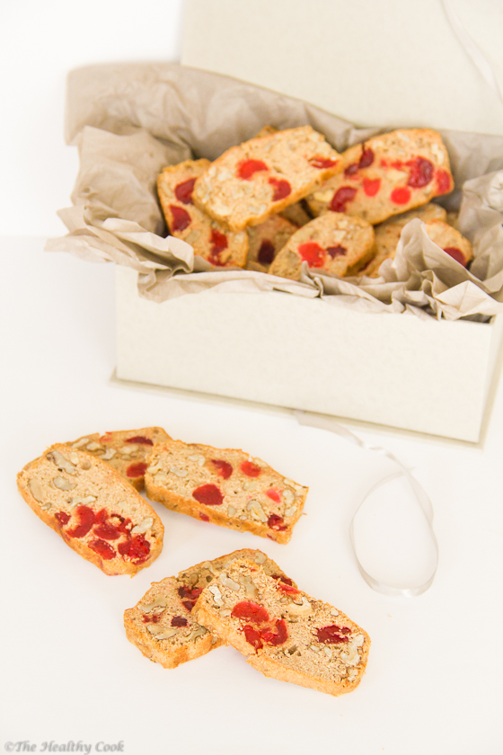 Walnuts-and-Cherry-Biscuits – Γλυκά-Παξιμαδάκια-με-Κεράσια-και-Καρύδια