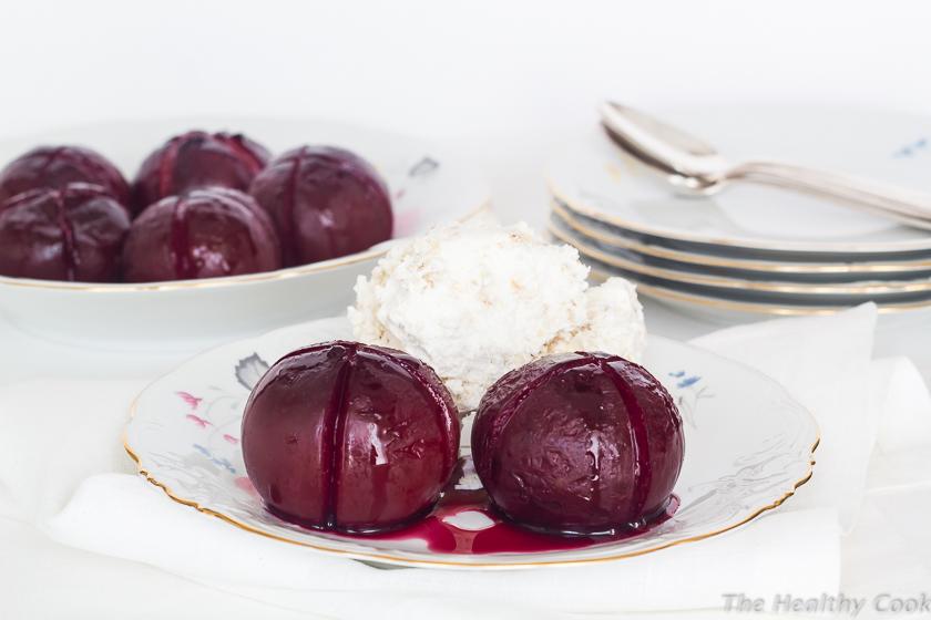 Baked-Plums-with-Frozen-Almond-Cream – Ψητές-Βανίλιες-με-Παγωμένη-Κρέμα-Αμυγδάλου