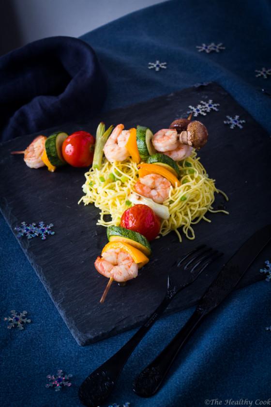 Shrimp-Veggie-Skewers-with-Noodles – Σουβλάκια-Γαρίδας-Λαχανικών-με-Νούντλς