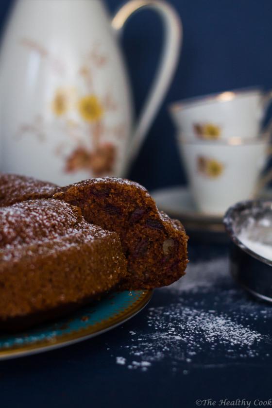 Υγιεινό κέικ με χουρμάδες & καρύδια - Healthy date & walnut cake