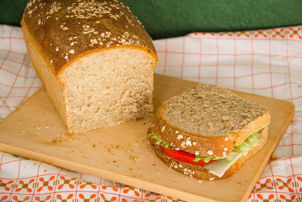 Σπιτικό Ψωμί Ολικής για Τοστ – Homemade Sandwich Bread with Spelt FLour
