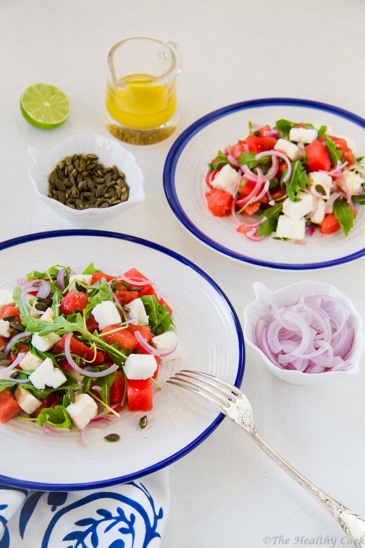 Η αγαπημένη σαλάτα καρπούζι και φέτα, με άλλα θρεπτικά υλικά και με ένα dressing τσίλι & λάιμ - Watermelon & feta salad with rocket, seeds & chili dressing