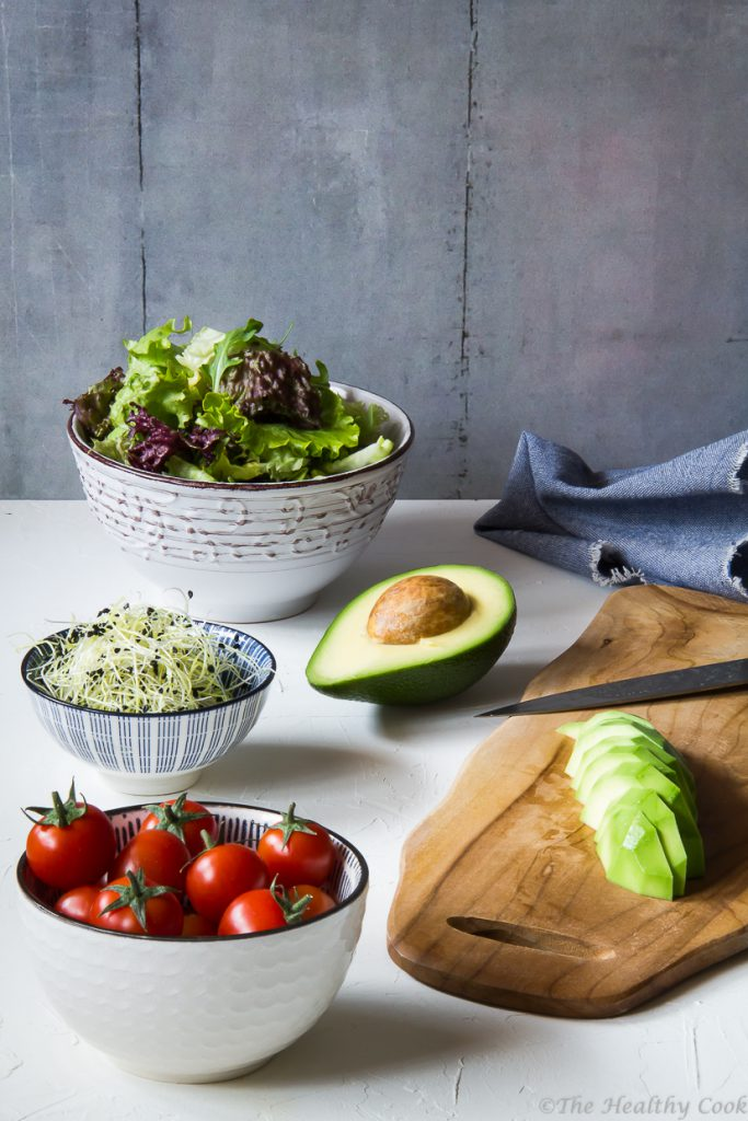 Σαλάτα με ταλαγάνι, αυγό και αβοκάντο, νόστιμη υγιεινή και θρεπτική - Talagani (Greek cheese), egg and avocado buddha bowl, healthy, filling and delicious
