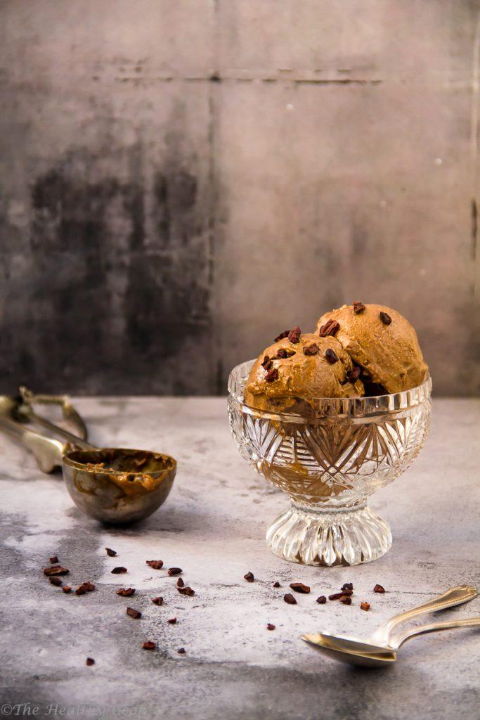 Το πιο νόστιμο και υγιεινό παγωτό σοκολάτα, χωρίς αυγά και γαλακτοκομικά