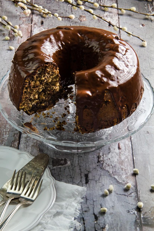 Νηστίσιμο κέικ με ταχίνι, καρύδια, σταφίδες & σοκολάτα, χωρίς λάδι. Ότι πρέπει για την μεγάλη Εβδομάδα