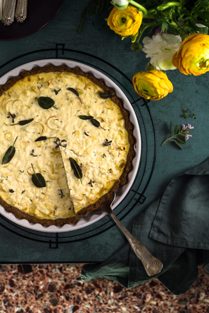 Leeks, Chèvre & Anthotiro Whole Wheat Tart -Τάρτα Ολικής με Πράσα, Κατσικίσιο Τυρί & Ανθότυρο